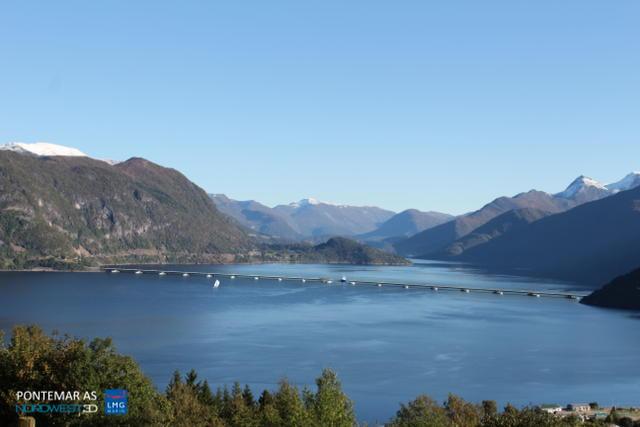 Illustrert bru over voldsfjorden, med open skipssluse